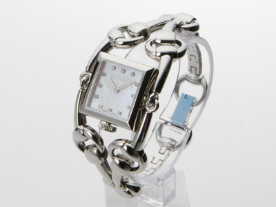 GUCCI Signoria Diamond Ladies Watch YA116309
